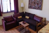 1-bed 3rd floor Apt, sleeps 5, 120m from lift