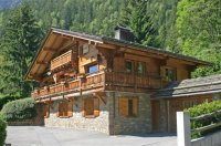 Large chalet sleeps 12-14 1km from Centre of Chamonix
