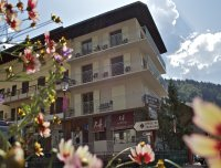 Rhodos Hotel | Centrally located hotel in Morzine