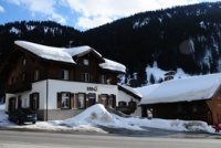 The Lodge - 200m from lifts and a short walk to the shops (slee