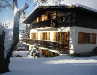Lovely Ski Apartment Near Centre of Resort
