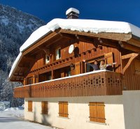 Luxury Chalet with stunning alpine views & outdoor hot tub