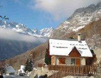 Contemporary Detached Ski Lodge With Panoramic Views with own G
