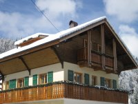 Self-catered central Morzine chalet sleeping 12